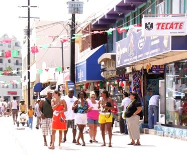 Se cancela el Spring Break en Los Cabos y caen reservaciones