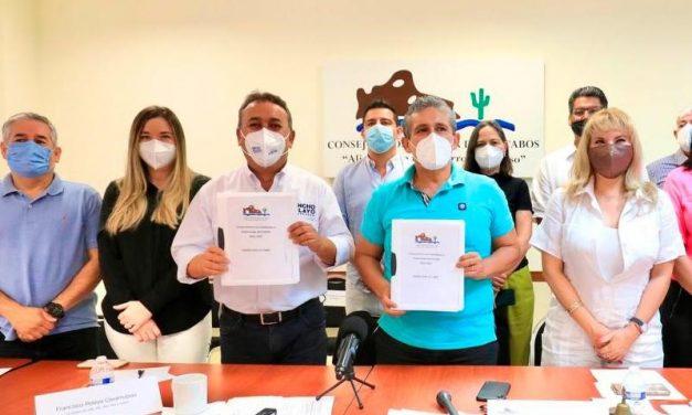 """firma Pancho Pelayo Compromisos que presentó el CCC """"Vamos por 10 y más"""" para el desarrollo de Los Cabos"""