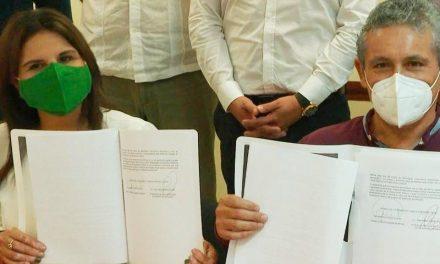 """Firma Armida Castro compromiso """"Vamos por diez y más"""" con el CCC de Los Cabos"""