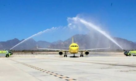 Arriba a Los Cabos Primer vuelo de Los Angeles de Linea SPIRIT